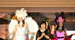 Designer Mona Shroff with showstoppers at IIFW Season 2